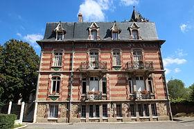 280px-Mairie_de_Saulnières_(Eure-et-Loir)_le_3_septembre_2014_-_2.jpg